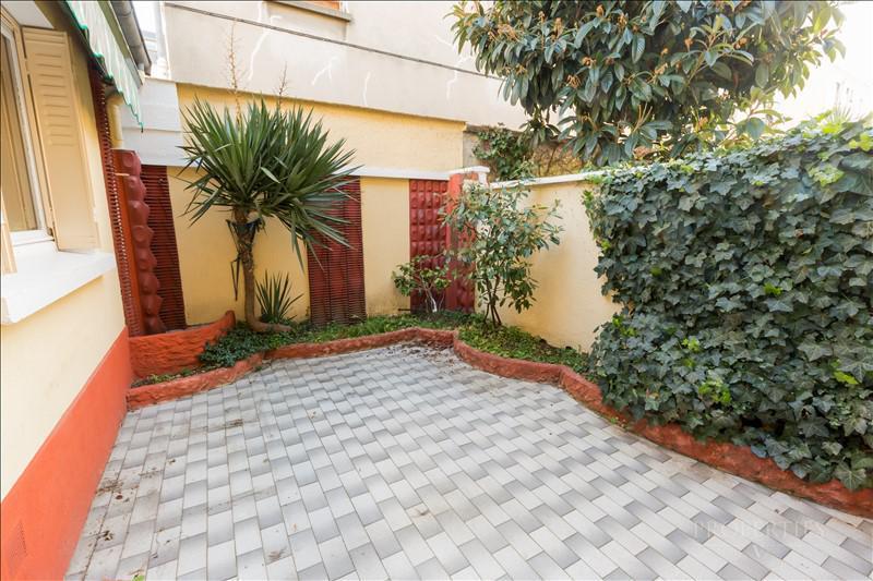 Properties v bien a vendre maison avec terrasse for Piscine vincennes